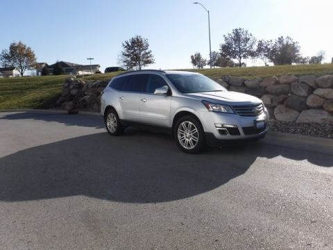 Pre-Owned 2015 Chevrolet Traverse LT Cloth AWD