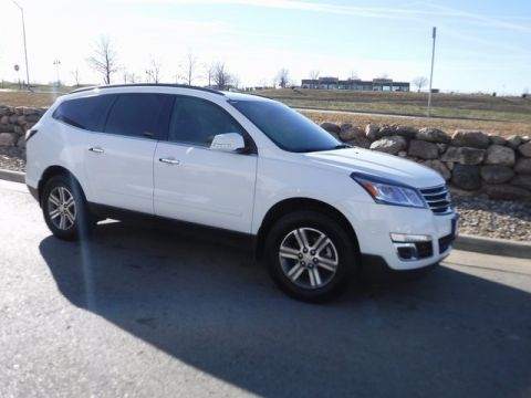 Certified Pre-Owned 2017 Chevrolet Traverse LT Cloth AWD